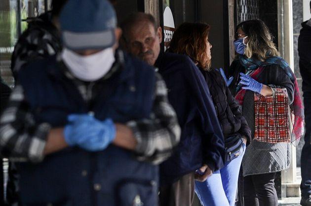 Στους 53 οι νεκροί στην Ελλάδα - 27 νέα κρούσματα και άλλα 23 στη δομή προσφύγων της