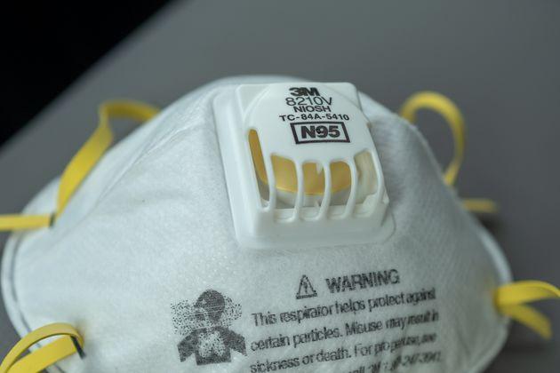 Les pays s'arrachent les masques N95 depuis le début de l'éclosion de COVID-19. (photos