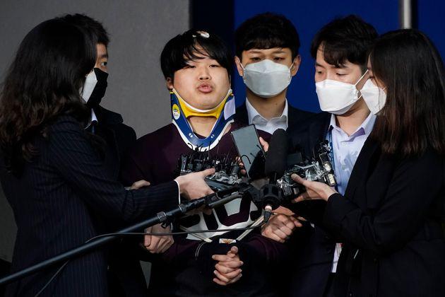 3월 25일 검찰 송치 중 언론에 공개된 박사방 운영자