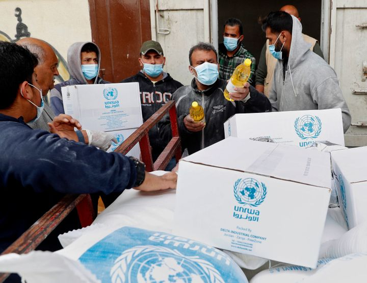 The United Nations has resumed food deliveries to thousands of impoverished families in the Gaza Strip after a three-week del