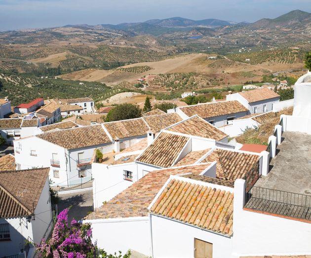 Ζαχάρα ντε λα Σιέρα: Το Ισπανικό φρούριο που κρατάει μακριά τον ...