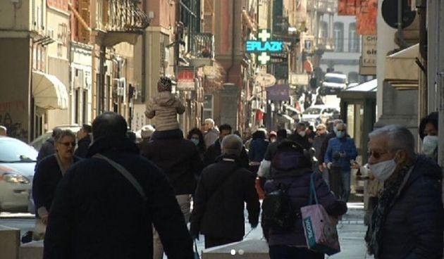Così appare via Sestri a Genova. Toti: