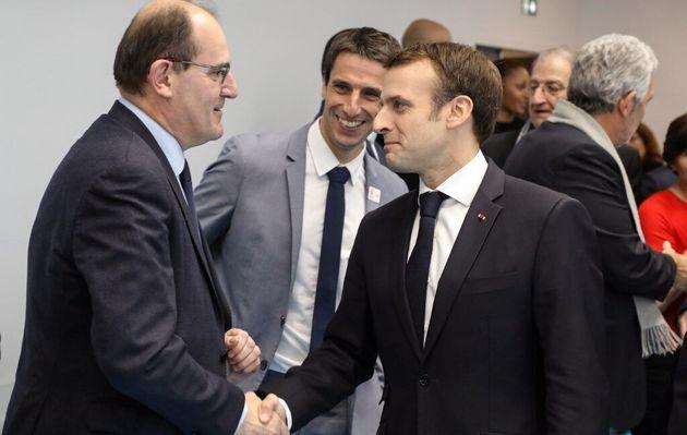 Jean Castex (en charge du déconfinement) et Emmanuel Macronlors de l'inauguration d'une...