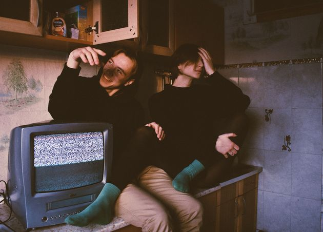 Pendant le confinement, de nombreux jeunes regardent la télévision. Mais ces habitudes de consommation...