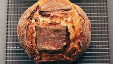 Jeder Macht Sauerteig-Brot Jetzt. Hier ist, Wie Es Zu Tun.