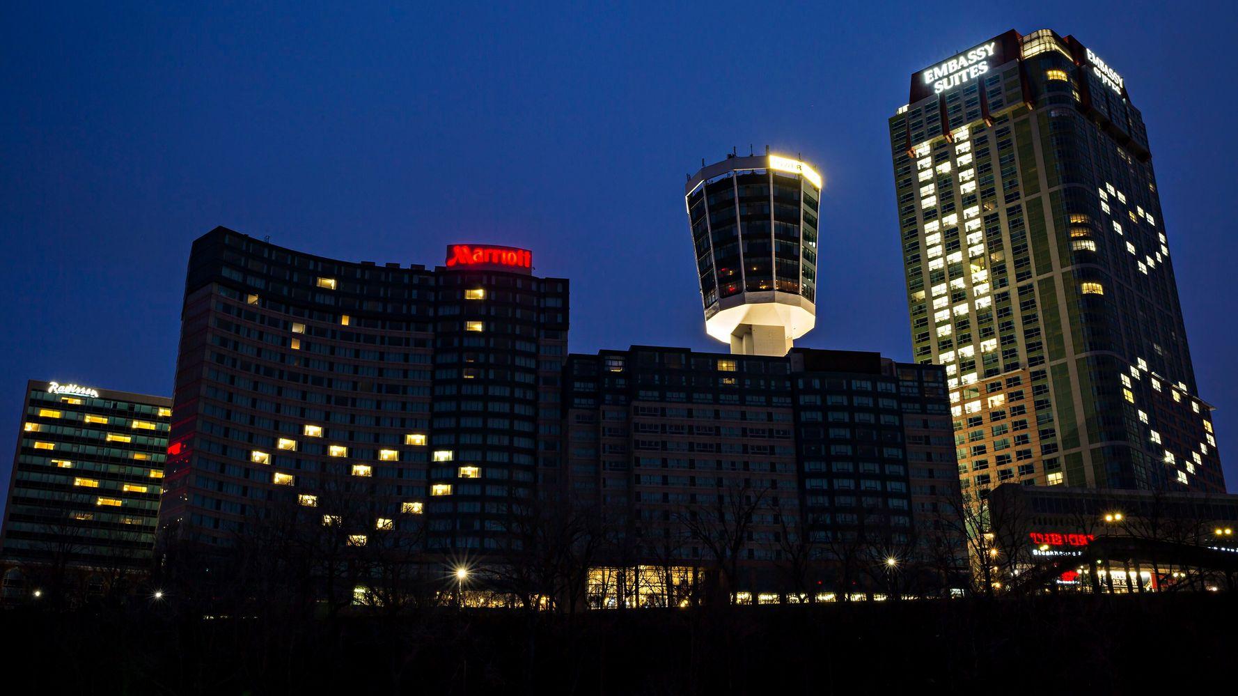 カナダのホテルが心から光を放ち、必要な愛を発信