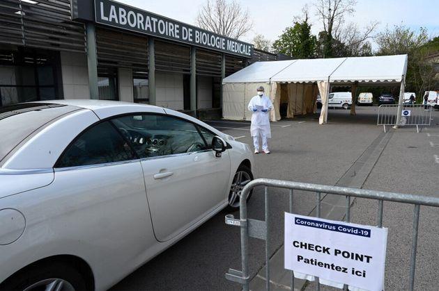 Les tests de dépistage du coronavirus autorisés dans les laboratoires de ville (photo d'illustration...