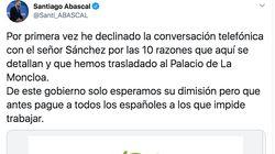 Abascal comparte un documento con razones para no hablar con Sánchez y comete un garrafal error: se ve al