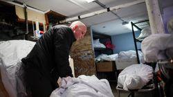 «Πού θα πάνε οι σοροί;» - Στις ΗΠΑ σχεδιάζουν επιπλέον νεκροτομεία για τα θύματα του