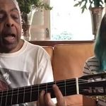 Gilberto Gil e sua neta cantando 'Volare' é a melhor coisa que você vai assistir