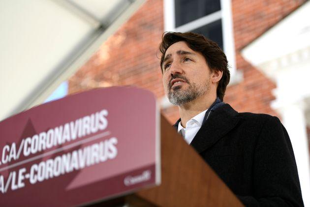 Le premier ministre Justin Trudeau prend la parole lors de sa conférence de presse quotidienne sur la...