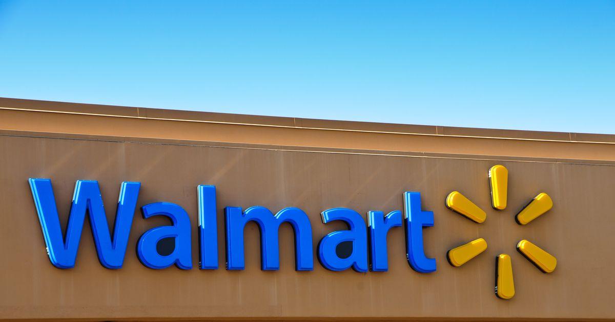 Drame dans un stationnement de Walmart: la police lance un appel au calme