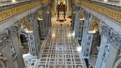 Na Itália, Papa Francisco celebra Semana Santa com a Basílica de São Pedro completamente