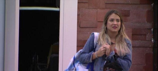 Por conta da dinâmica do programa neste domingo (5), Gabi sai da casa sozinha sem nem se despedir...
