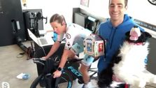 Triatlon Tawaran Di Virtual Race Digagalkan Oleh 'Idiot' Suami Tersandung Kabel