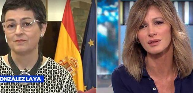 La ministra González Laya (i), junto a la presentadora de Antena 3, Susanna