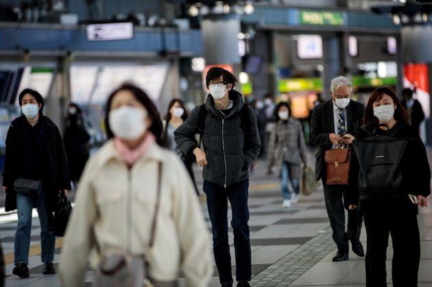 일본에서는 최근 코로나19 확진자가 빠르게 늘어나고