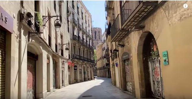 戸城さんが撮影したバルセロナの街。外出は生活必需品の買い出しや犬の散歩などに厳しく制限され、いつもは観光客が溢れている街中にほとんど人がいない