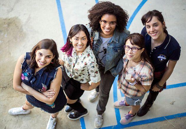 Gabriela Medvedovski (Keyla), Ana Hikari (Tina), Heslaine Vieira (Ellen), Daphne Bozaski (Benê)...
