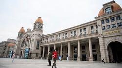 Comment Wuhan va lever les restrictions encore en vigueur face au