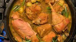 Pollo guisado con hierbas y toque de
