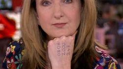 BBC 앵커가 뉴스 도중 보여준 손등 위 번호의