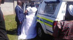 결혼식 도중 경찰이 들어와 신랑과 신부를 체포해간