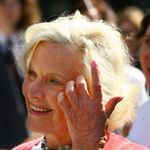 L'iconique James Bond Girl de Goldfinger, Honor Blackman est