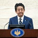 아베의 긴급사태 선언 근거: 한 달 후 코로나 감염자 8만명