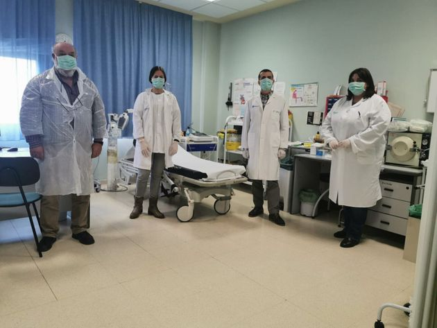 El resto del personal médico de Cedrillas en la consulta del