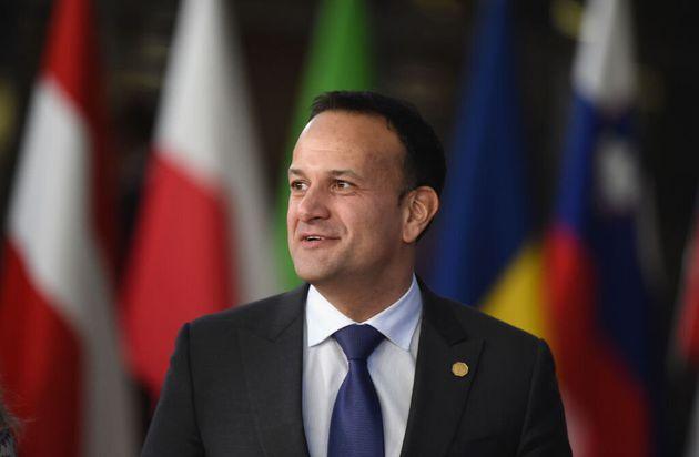 Il premier irlandese Varadkar torna a fare il medico per l'emergenza