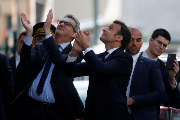 Macron (ici à Pantin) provoque un attroupement en Seine-Saint-Denis, Le Pen
