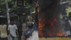 코트디부아르 국민들이 격렬 시위 벌인
