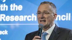 Παραιτήθηκε ο επικεφαλής επιστήμονας της ΕΕ «άκρως απογοητευμένος» λόγω