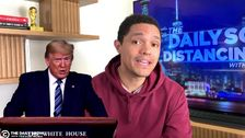 Trevor Noah Memiliki Lucu Analogi Untuk Trump tidak Diminta Nasihat Medis