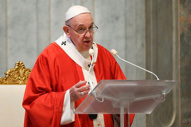 Il Papa contro chi specula sulla sofferenza: