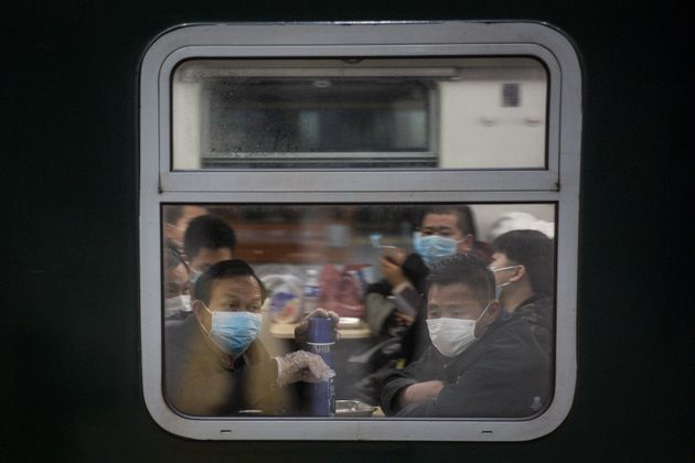 우한 역에 정차한 광저우행 열차. 2020. 4.