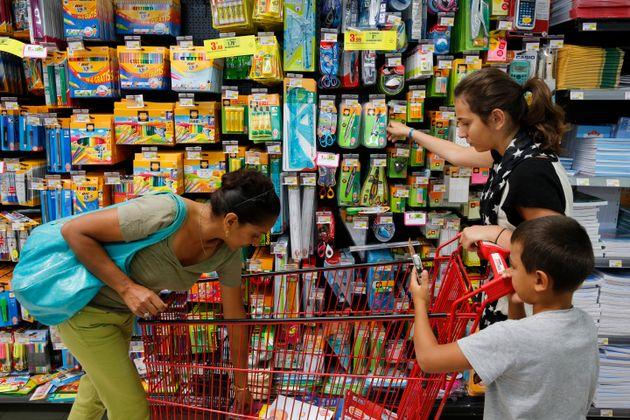 Des familles n'ont pas pu aller faire leurs courses parce qu'elles étaient accompagnées...