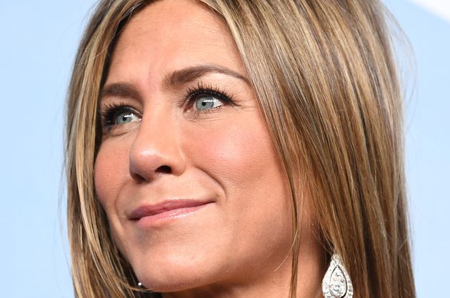 Jennifer Aniston regala 10mila dollari ad un'infermiera colpita da