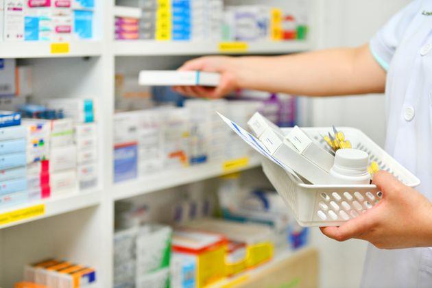 Des pharmaciens doivent composer avec des clients agressifs et désobéissants aux