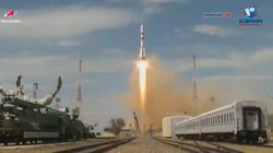 Deux cosmonautes et un astronaute partent se confiner dans