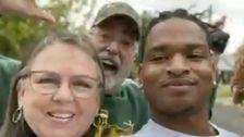 Nenek Yang Berteman Dengan Remaja Setelah Salah Thanksgiving Teks Kehilangan Suami Untuk Coronavirus