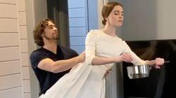 Longe dos palcos, bailarinos russos dançam para fãs em vídeo