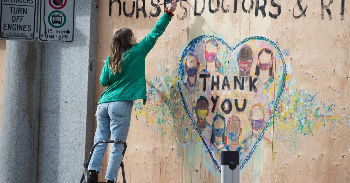 CERBコールセンターのボランティアがパンデミック時にカナダ人の優しさを称賛