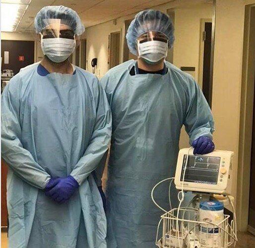 ニューヨークの病院で、新型コロナウイルス感染者の治療にあたる宮下医師