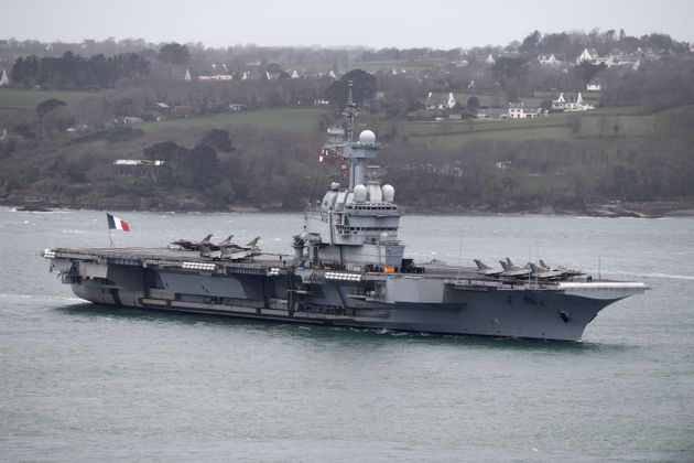 50 cas positifs sur le porte-avions français Charles de