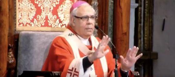 Momento de la misa de Viernes Santo en