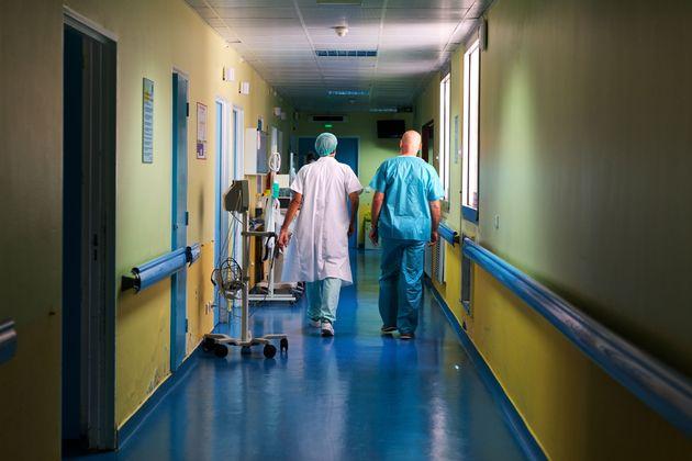 Du personnel hospitalier au CHU des Abymes en Guadeloupe, le 9 avril 2020 (photo