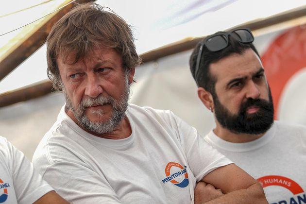 Luca Casarini durante una conferenza stampa organizzata sulla nave Mare Jonio del progetto