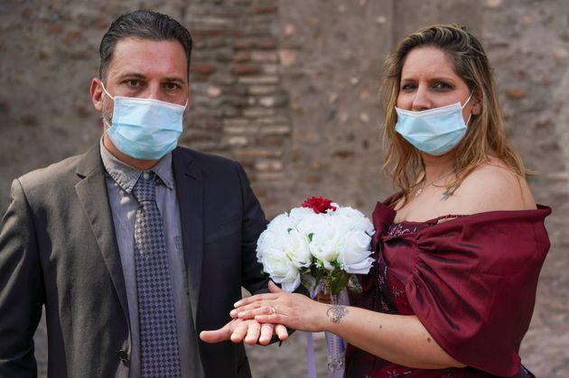 Πολιτικός γάμος στη